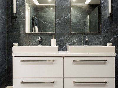See Yourself in Mirrored Bathroom Cabinets