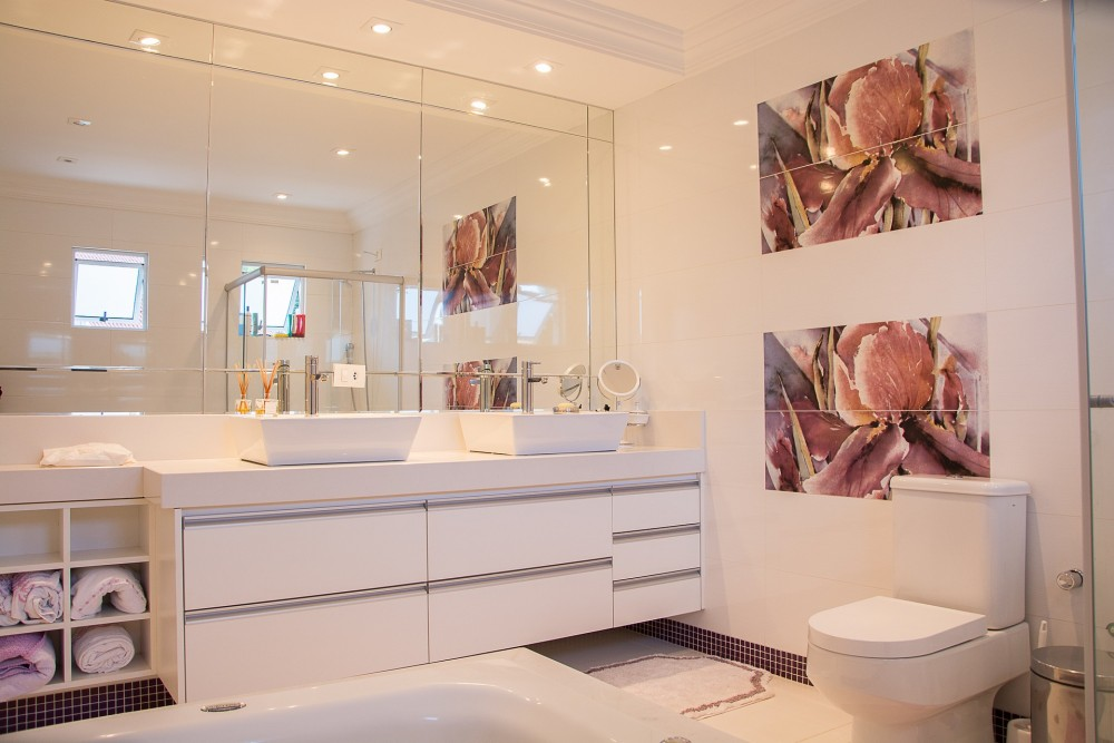 & 5 Budget Ideas For Remodeling A Small Bathroom